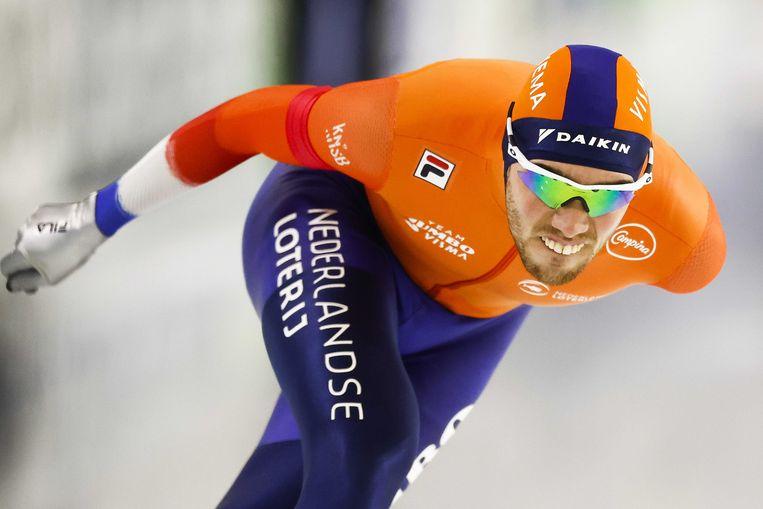 HEERENVEEN - Patrick Roest in actie tijdens de 5000 meter heren tijdens de wereldbeker schaatsen in Thialf.  Beeld ANP VINCENT JANNINK