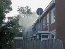 Veel rook bij woningbrand in Enschede, huis onbewoonbaar