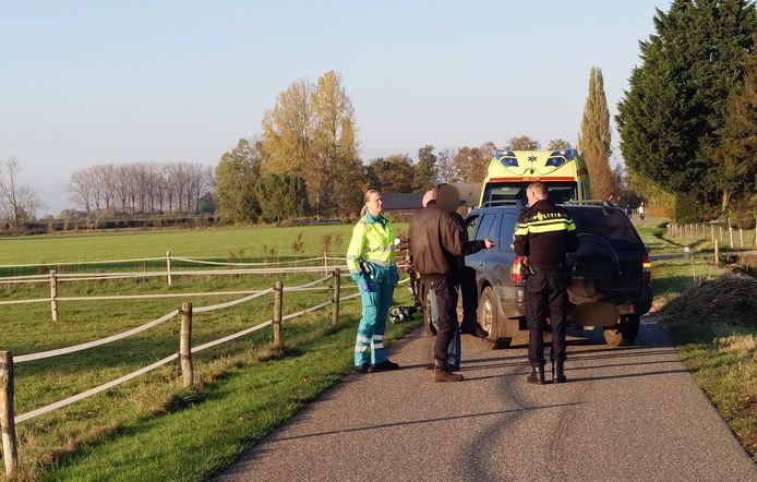 Na en botsing tussen een auto en een scooter vlogen de twee bestuurders elkaar in de haren.