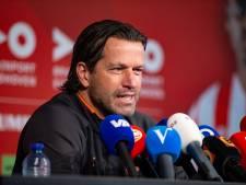 Ernest Faber maakt door coronaperikelen bij Jong PSV opnieuw zijn rentree als coach
