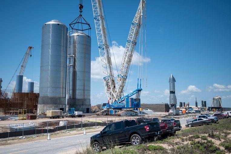 Werkzaamheden bij de SpaceX-lanceerbasis bij Boca Chica. Beeld Sergio Flores