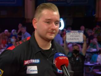 """Van den Bergh opgelucht na lastige zege in hitte van Blackpool: """"Voelde dat we het allebei lastig hadden"""""""