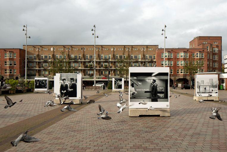 Dit keer wordt op het Mercatorplein de expositie Afropean Express: Travels in Black Europe van schrijver en fotograaf Johny Pitts getoond. Beeld