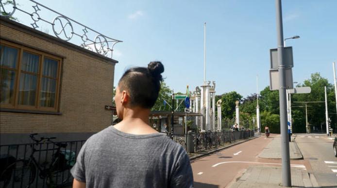Bij de oude ingang van Diergaarde Blijdorp.