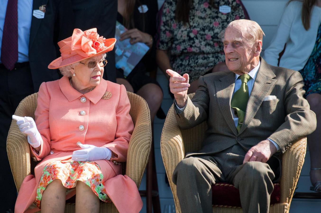 Elizabeth en Philip in 2018, tijdens een polowedstrijd die ze uitvoerig met elkaar bespreken.