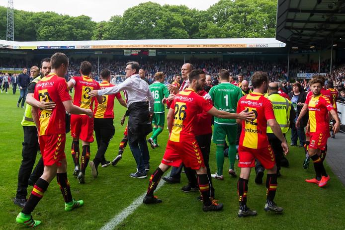 Onrust op de Vijverberg na de promotie van Go Ahead Eagles.