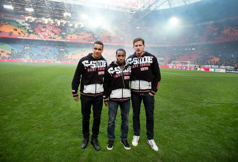 2013: Jan Vertonghen (R), Gregory van der Wiel (L) en Vurnon Anita (M) nemen in de Amsterdamse Arena afscheid van het Ajaxpubliek. Beeld anp