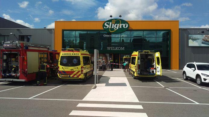 Medische noodsituatie bij de Sligro aan de Hanzeweg in Gouda