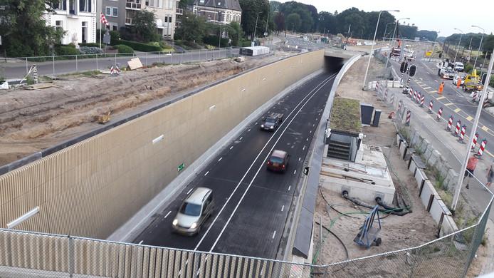 De tunnel in Dieren is open.