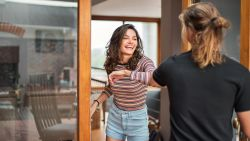Corona-etiquette: wat doe je als vrienden stiekem willen afspreken?