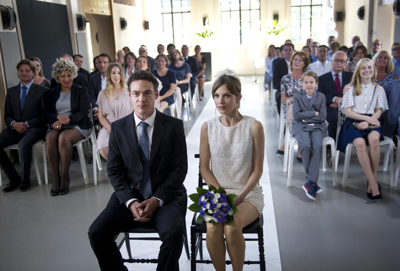 Willem (Fedja van Huêt) en Iris (Sylvia Hoeks) treden in het derde seizoen eindelijk in het huwelijk.