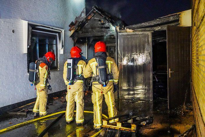 Twee huizen beschadigd bij brand in Eindhoven.