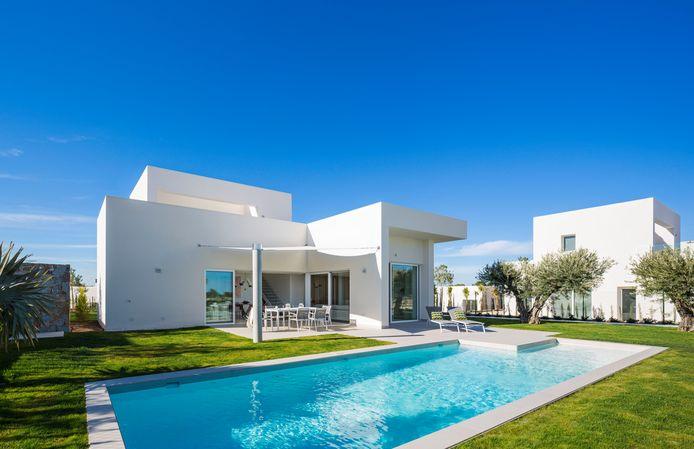 Van senioren die er willen overwinteren tot mensen die er bij de huidige lage rentevoeten een mooie investering in zien: vastgoed aan de Costa Blanca is in trek bij Belgen.
