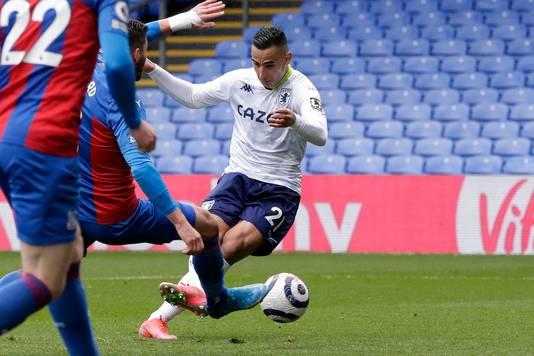 Anwar El Ghazi schiet de 2-1 binnen namens Aston Villa.