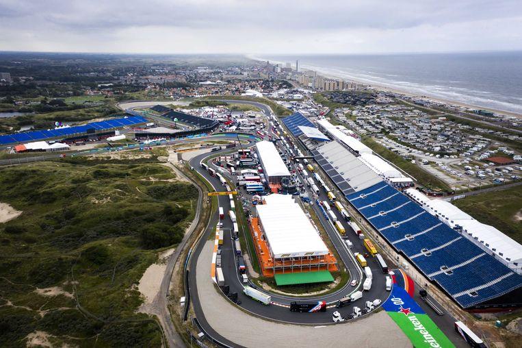 Het circuit van Zandvoort. Komend weekend wordt er voor het eerst in 36 jaar de Dutch Grand Prix gereden. Beeld ANP