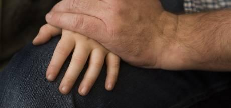 Man verdacht van jarenlange ontucht met zijn twee minderjarige kinderen in Dronten en Zutphen