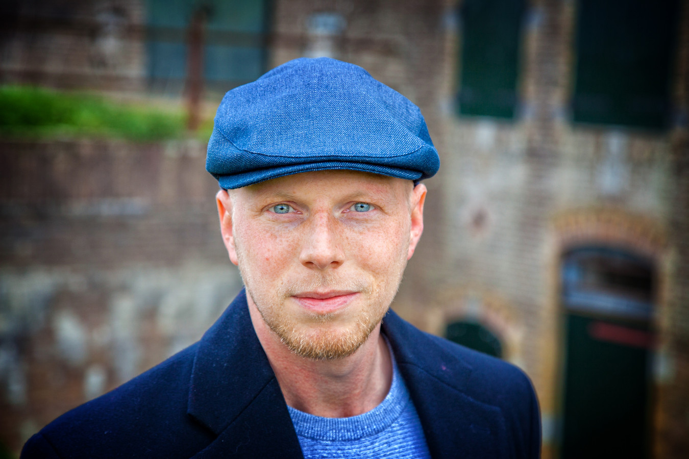 Singer-songwriter Daniel Roos.