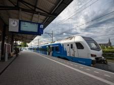 Politie pakt weer vier jongeren op uit trein tussen Kampen en Zwolle, boa's zijn 't zat: 'Dit is de druppel'