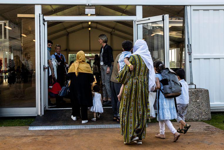 Opvang van Afghaanse vluchtelingen in een kazerne bij Zoutkamp. Beeld ANP