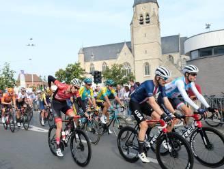 """Wielerfans genieten van WK-peloton dat door Mechelen en Bonheiden raast: """"Unieke kans om renners zo dicht bij huis aan het werk te zien"""""""