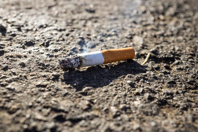 Sp.a wil in Izegem meer sensibilisering rond sigarettenpeuken.