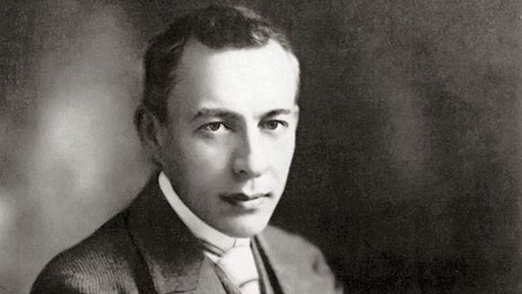 Rachmaninov was zelf dirigent bij de première van het stuk.