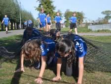 Leerlingen Wesenthorst lopen 7 mille bij elkaar met 'obstacle run'