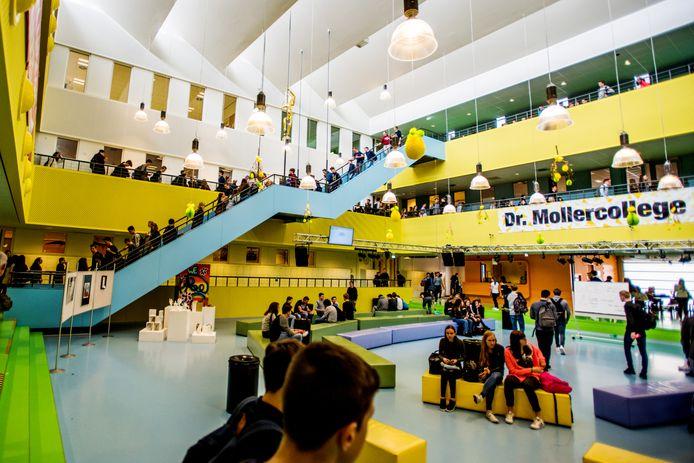 Het Mollercollege in Waalwijk.