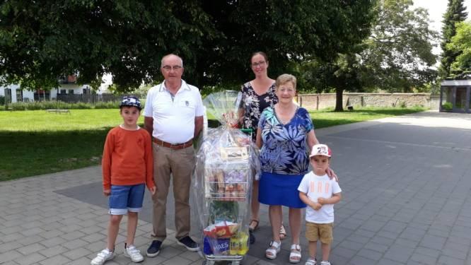 Claudine Meirsschaut wint winkelkar van 130 euro op digitaal schoolfeest