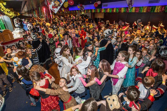 Carnaval vieren deed Bavel altijd groots in de zalen van De Tussenpauz, maar dat pand is al geruime tijd gesloten.