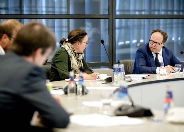 Staatssecretaris Tamara van Ark (2e R) en minister Wouter Koolmees van Sociale Zaken en Werkgelegenheid (R). Beeld ANP