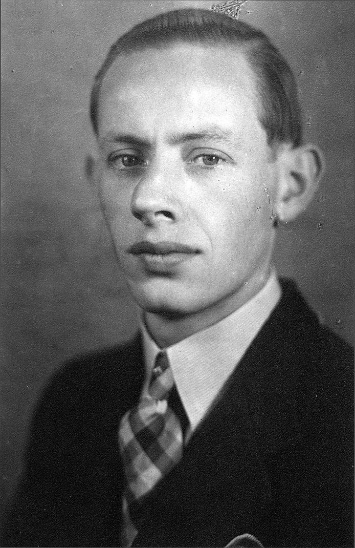Portret Antoon Brok, waarschijnlijk kort voordat hij in Duitsland te werk werd gesteld.
