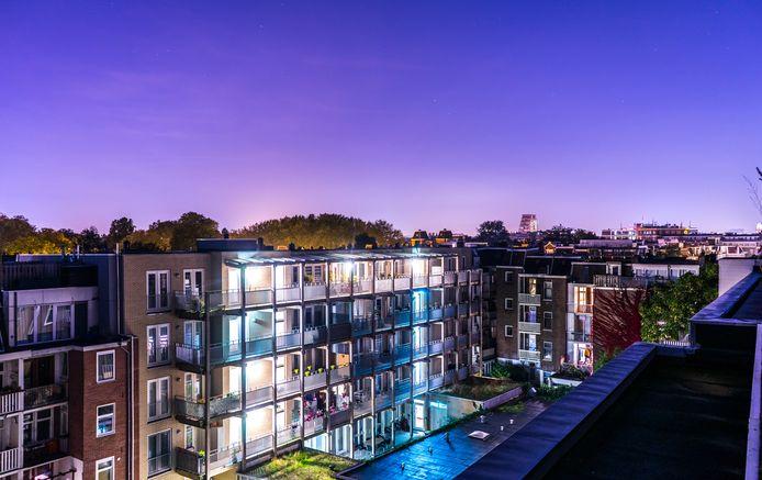 Beleggers kopen in de grote steden veel woningen op om die tegen forse vergoeding te verhuren.