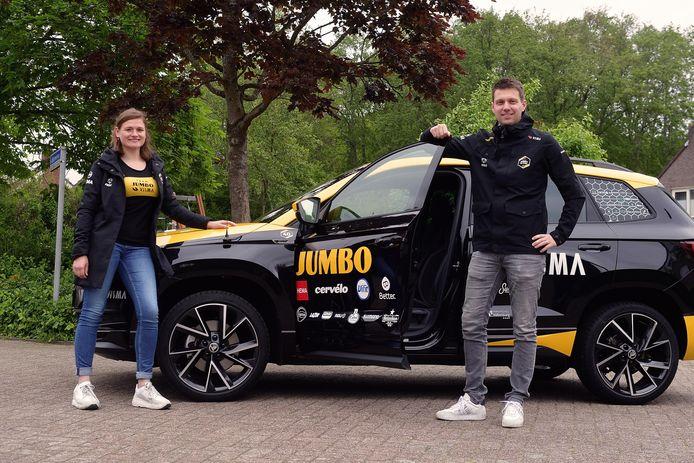 Sander Kruis en Arlette Jochems komen beide uit het voetbal en werken nu bij Jumbo-Visma.