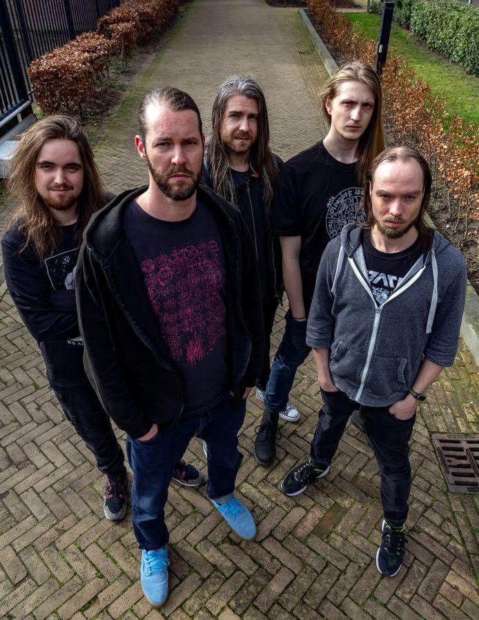 De band Autarkh: vanaf links Tijnn Verbruggen, Michel Nienhuis, Desmond Kuijk, Daan Luiten en Joris Bonis. Foto Joris Buijs/Pix4Profs