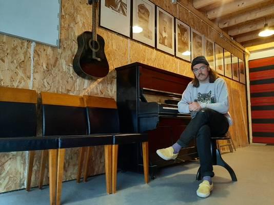 """,,Tilburg is toch een klein dorp als het op dit soort dingen aankomt"""", vertelt Joep Schmitz in Diggers Studio's."""