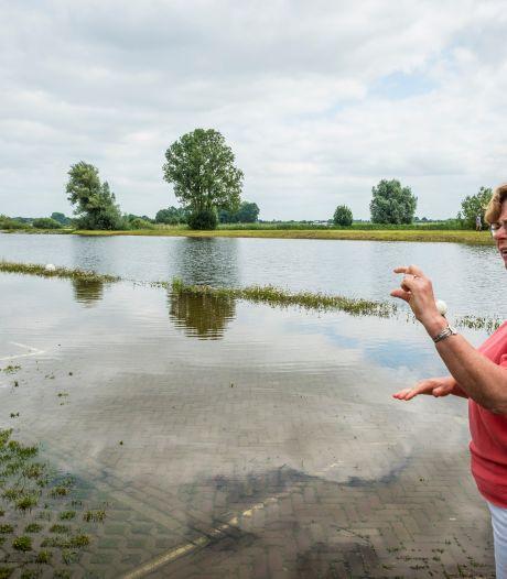Nagelbijten om een droge camperplaats in haven van Hattem: 'Hoopte dat het water sneller zou zakken'