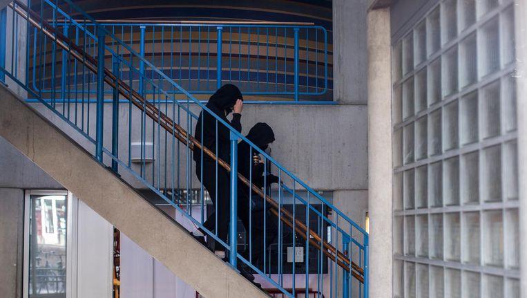 Actievoerders bezetten het P.C. Hoofthuis in de Spuistraat. Beeld Rink Hof