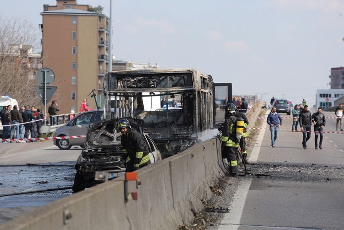 Gijzelnemer Ousseynou Sy stak de bus in brand. 23 kinderen liepen lichte verwondingen op.