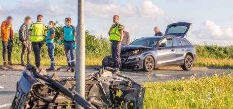Veel schade bij ongeluk N201 Vinkeveen