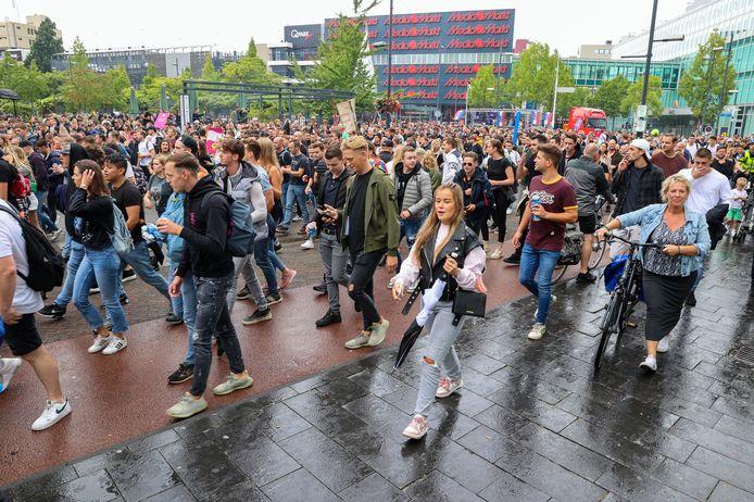 Drukte in Eindhoven tijdens protestmars Unmute Us.