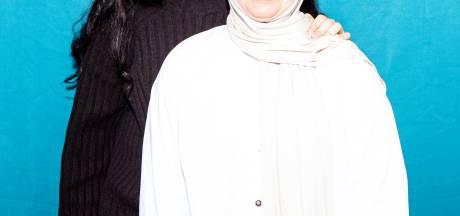 Met uitzetting bedreigde Amsterdamse zussen mogen toch in Nederland blijven