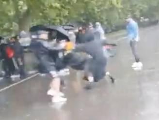 """Moslima die zich bekeerde aangevallen met mes in Londen: """"Ze droeg T-shirt van Charlie Hebdo"""""""