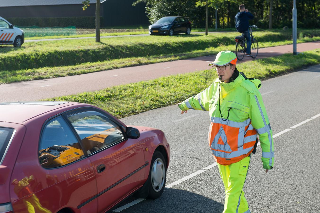 Verkeersregelaar Sven van Reusel.