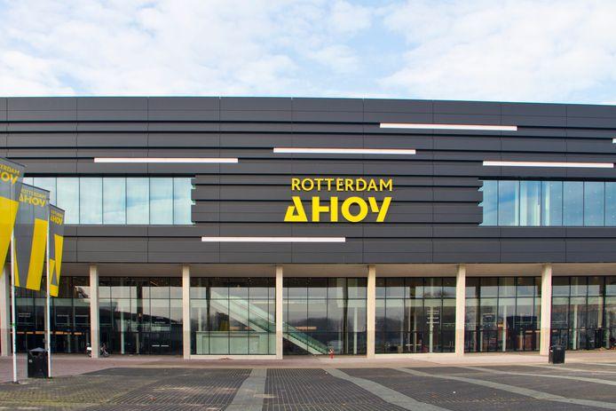 De gevelpanelen van Ahoy in Rotterdam, vervaardigd door Sorba uit Winterswijk, komen vol in beeld nu het Eurovisie songfestival in Nederland wordt gehouden.