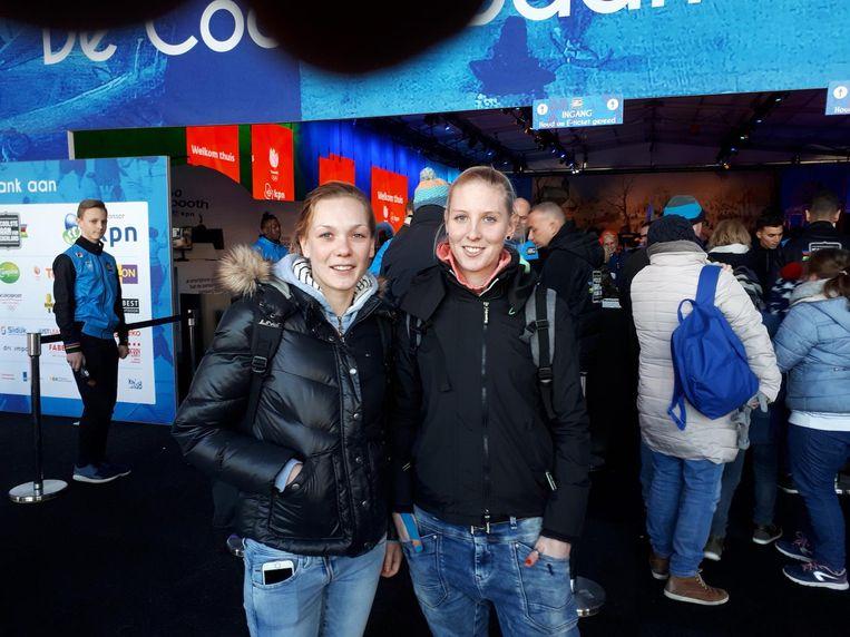 Melissa Koopmans en Karin van Groningen uit Emmeloord (r). Beeld Hanneloes Pen