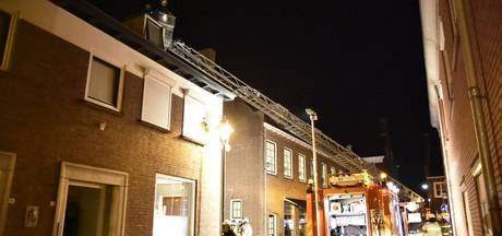 Dak beschadigd door schoorsteenbrand in Huissen