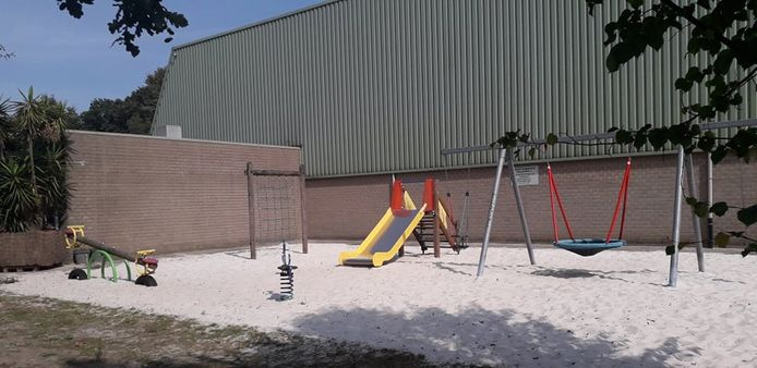 De speeltuin achter de Bouwelse sporthal.