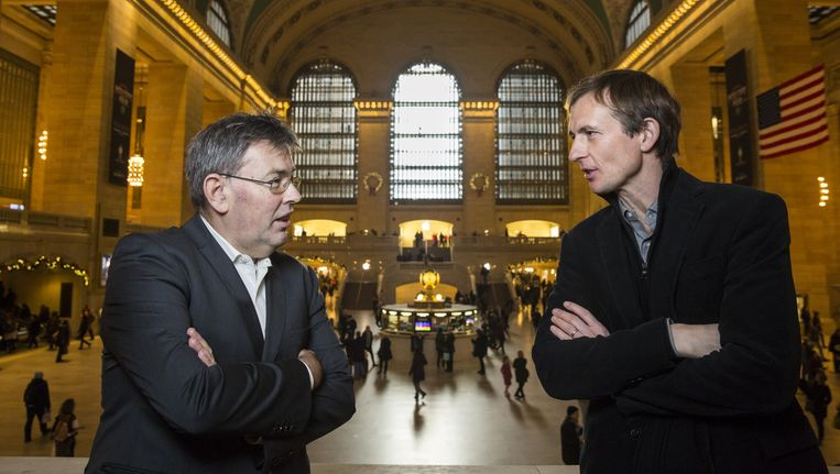 Derk Jan Eppink en Michiel Vos in Central Station, New York. Beeld Natan Dvir / Polaris Images