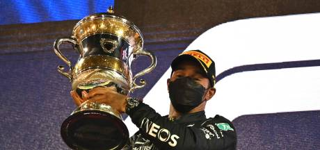 Hamilton na thriller in Bahrein: 'Max had beter meer geduld kunnen hebben'